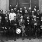 Učitelé technických kurzů v Sofii, rok 1923. (YMCA + Mr. Smith.) Michail Vasněcov v druhé řadě (stojí), druhý zprava.