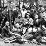 Učitelé a posluchači technických kurzů během geodetické praxe. Duben 1924, Sofie (Bulharsko). Michail Vasněcov v druhé řadě (sedí) první zprava.