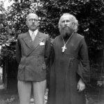 Konec 30. let19. století, s inženýrem Michailem Kovalevským.