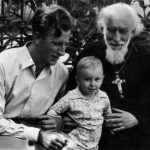 Srpen 1957. V Kyjevě se synem Viktorem a vnukem Michailem.
